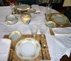 Tablescape Thursday:  Friendly China and Elegant Crystal