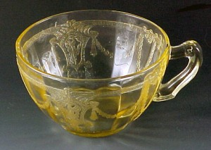 Cameo Ballerina Topaz Yellow Depression Glass Cup