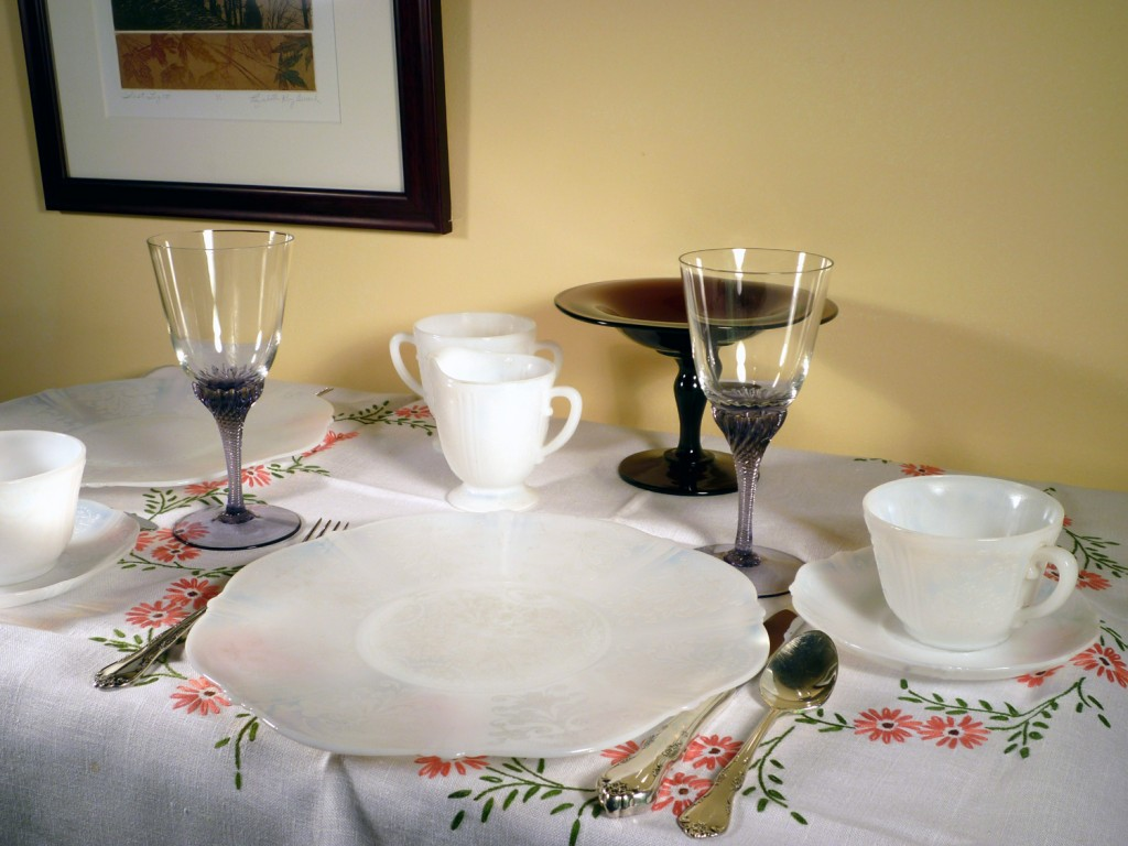 American Sweetheart Place Setting and Amethyst Flair Stemware
