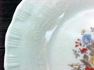 Chinex Classic Bouquet Plate Detail