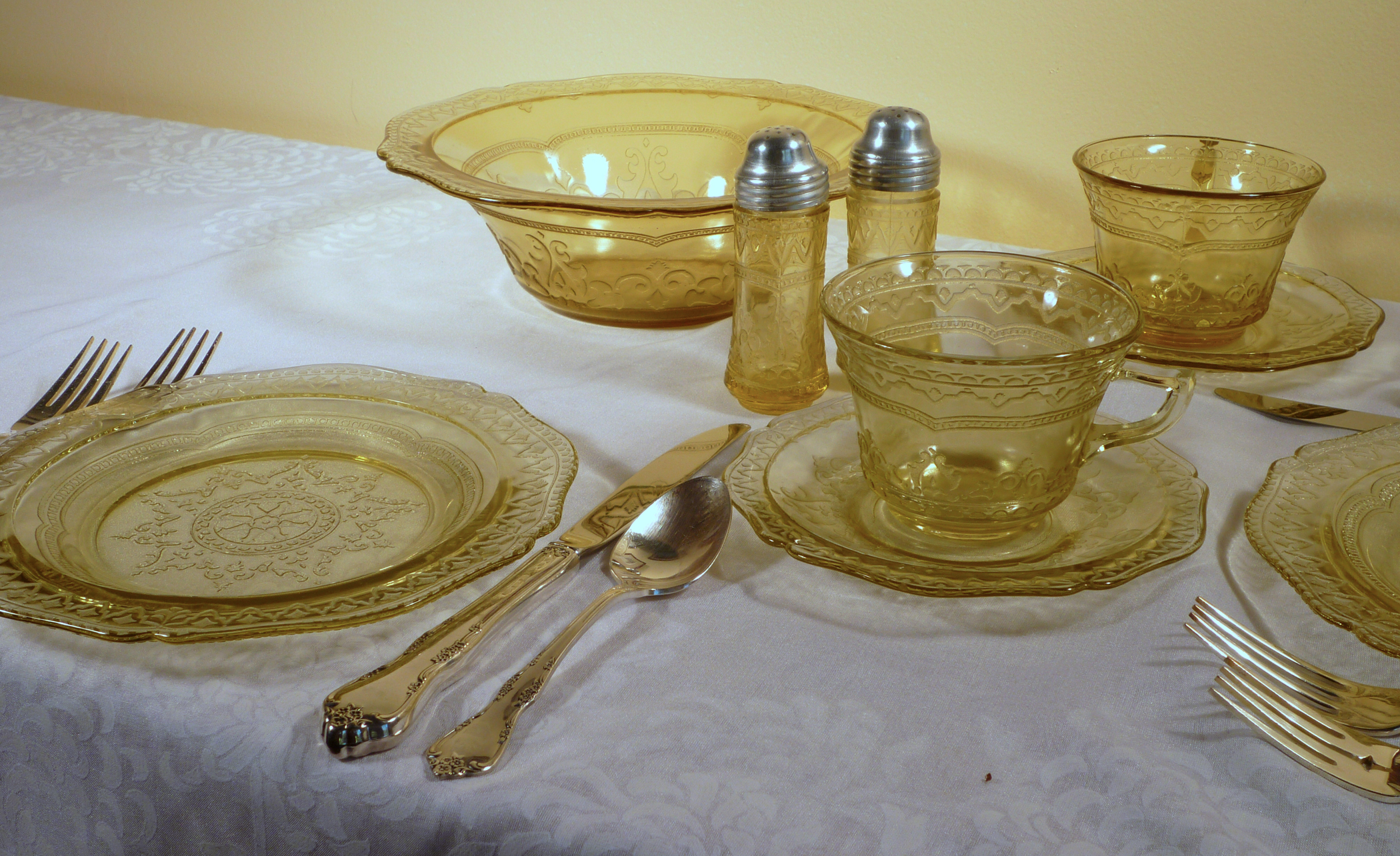 Patrician Spoke Amber Depression Glass Dinnerware