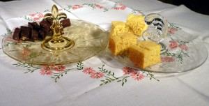Tablescape Thursday:  Pick Your Favorite, Fudge or Cornbread