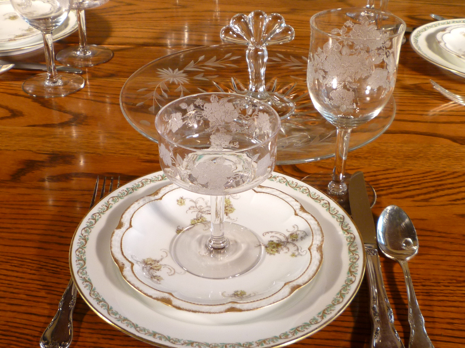 Haviland Limoges Dinnerware Secretaries Primrose Stemware Paden City Center Handled Server