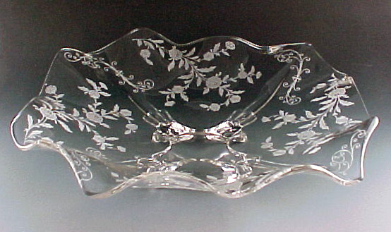 Cambridge Glass Elaine Etched Crystal Ruffled Bowl