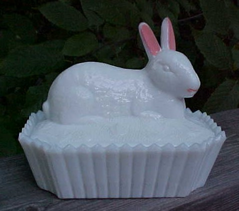 Milk Glass Bunny on Fence Box Westmoreland
