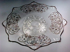 Silver Baskets – Footed Cake Stand Plate in Vintage Crystal