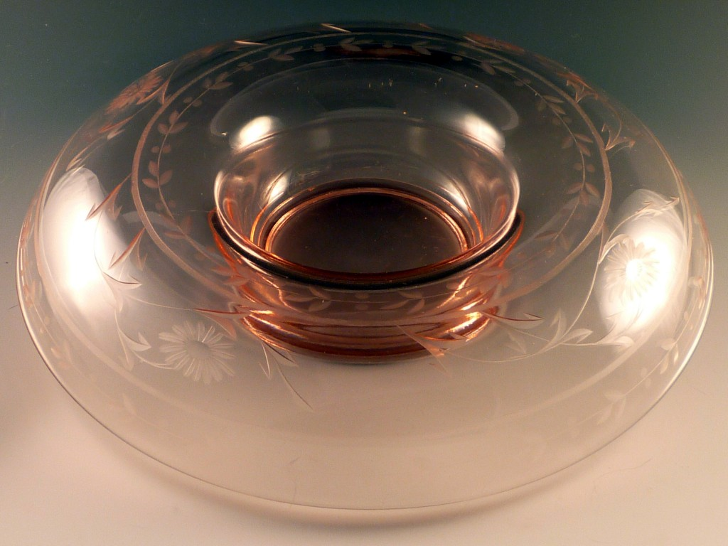 Pink Depression Glass Flower & Leaf Line Cut Console Bowl