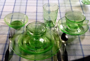 Georgian Lovebirds Green Depression Glass Place Setting