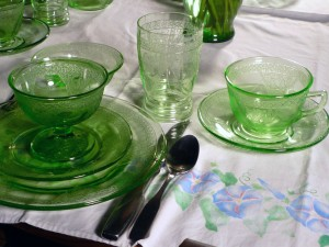 Oh What a Difference Cloth Can Make – Depression Glass Tables for You