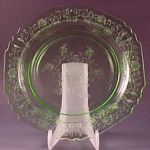 Let's Reduce Confusion!  Florentine Poppy #1 and #2 Depression Glass Plates and Bowls