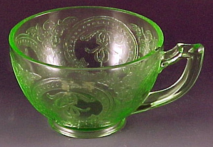 Horsehoe Green Depression Glass Cup Indiana Glass