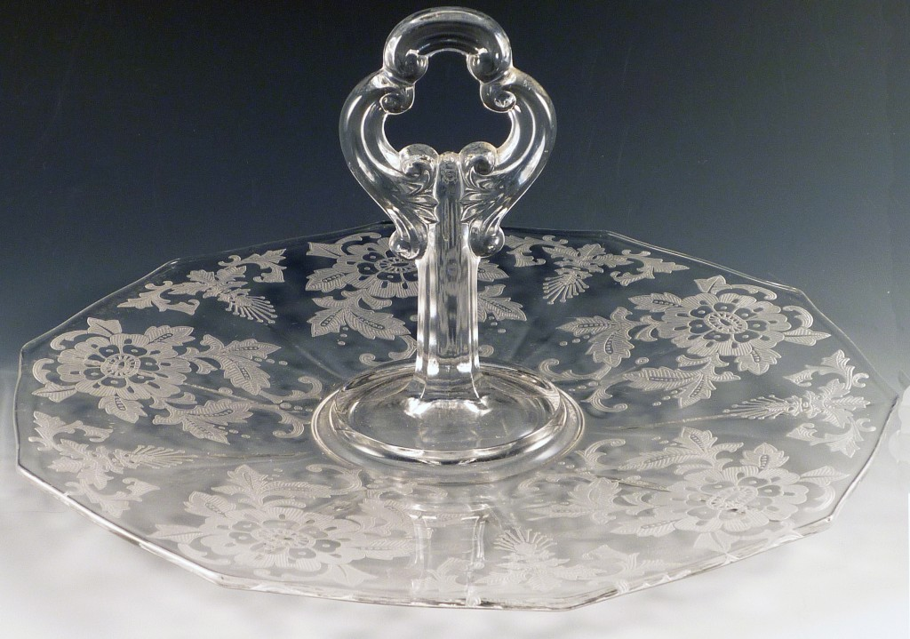 Cambridge Glass Lorna Etched Crystal Center Handle Server
